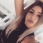 Blogger     Dancila Alexandra - Mediu.