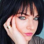 Blogger  Adelina Velică - Adelina Velică