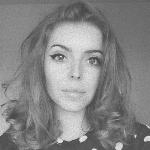 Blogger    Ana-Maria Popa - Influencer.